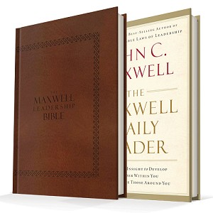 The Maxwell Leadership Bible (NIV) & The Maxwell Daily Reader - Bundle