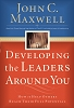 Developing the Leaders Around You [Paperback]