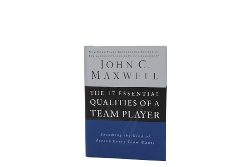 The 17 Essential Qualities of a Team Player [Hardcover]
